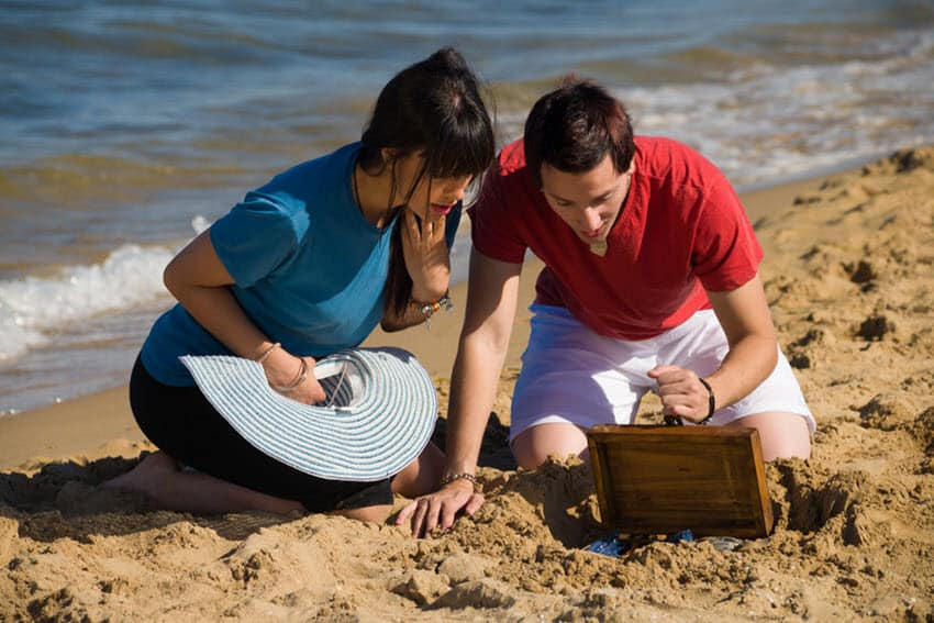 Keep Valuables Safe At The Beach